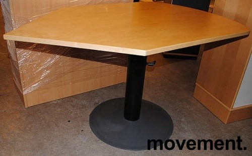 Kinnarps avlastningsbord i bjerk foråsette ved siden av skrivebord, pent brukt