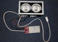 Lekker tak-spotlight med 2 pærer fra italienske SIDE, NY/ UBRUKT