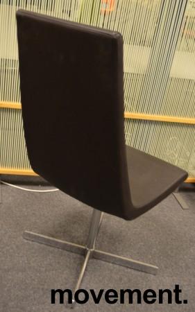 ForaForm Clint loungestol i brunt skinn / krom, pent brukt bilde 2