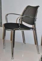 Sort møteromsstol/stablestol i sort/krom, pent brukt