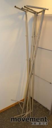 Garderobestenger i børstet stål, pent brukte bilde 2