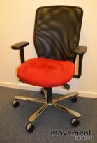 Kontorstol: EFG kontorstol i sort/rødt, PENT BRUKTE KONTORSTOLER