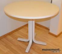 Rundt bord i hvitmalt tre, Ø=90cm H=74cm, pent brukt