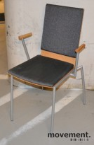 Konferansestol i bøk / grått stoff, pent brukt, pent brukt