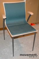 Konferansestoler fra Skeie, i bjerk med grønnmønstret stoff, brukte