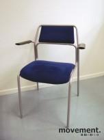 Konferansestol fra Kinnarps i grått/blått, mod: 373 m/armlener, pent brukte