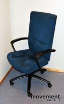 Kinnarps Kapton kontorstol i blå mikrofiber, pent brukt, KUPPVARE