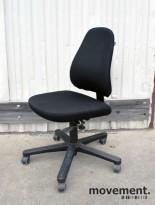 Savo 50H kontorstol uten armlene, nytrukket i sort stoff, pent brukt