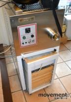 Stor pastamaskin fra La Prestigiosa, mod: Easy25, pent brukt