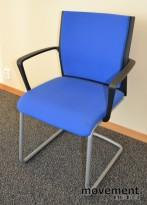 Konferansestol fra Steelcase, i blått/sort/grått, pent brukt