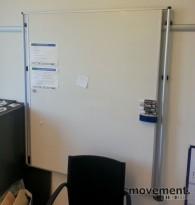 Whiteboard, flyttbar modell hengt på skinne, 150x130cm, pent brukt
