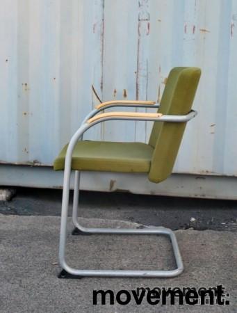 HovDokka møteromsstol / besøksstol i mørkegrønt stoff (Gaja), pent brukt bilde 2