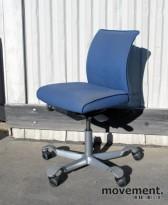 Håg H05 5200 kontorstol i lyst blått stoff (MT0011), lav rygg, pent brukt, KUPPVARE