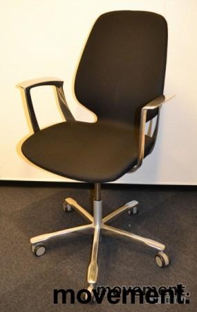 Kinnarps Monroe konferansestol på hjul i sort/krom, pent brukte bilde 2
