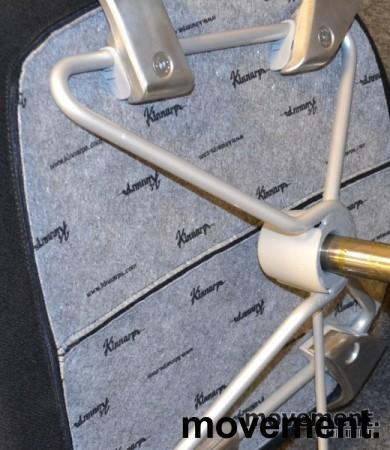 Kinnarps Monroe konferansestol på hjul i sort/krom, pent brukte bilde 4