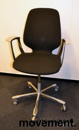 Kinnarps Monroe konferansestol på hjul i sort/krom, pent brukte bilde 1