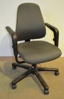 Savo 50 L kontorstol med grått stofftrekk, pent brukt