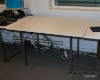 IKEA Galant, rektangulært skrivebord i hvitt /sølvgrått, 120x80 cm, pent brukt