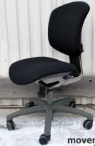 Savo Ikon 3 kontorstol, nyoverhalt og nytrukket i sort stoff (Gandal 190), KUPPVARE