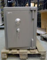 Chubbsafe S 2 W 7/1 liten safe med kodelås, åpen dør, 74 cm høyde, pent brukt