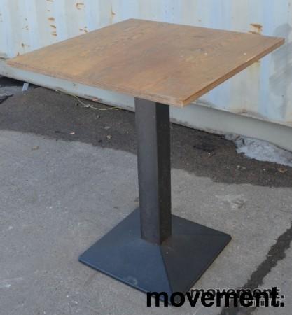 Kafebord 60x60cm, plater i tre, understell i grålakkert metall, brukte