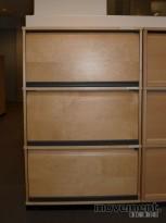 Kinnarps E-serie sjalusiskap i bjerk, 3 høyder, 125 cm h, 80 cm b, pent brukt