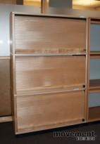 Kinnarps E-serie sjalusiskap i bjerk, 3 høyder, 125 cm h, 2012-mod, pent brukt
