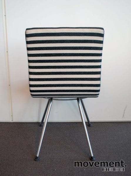 Lammhults Atlas konferansestol besoksstol i sort hvitt, pent brukt