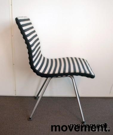Lammhults Atlas konferansestol / besøksstol i sort / hvitt, pent brukt bilde 2