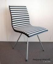 Lammhults Atlas konferansestol / besøksstol i sort / hvitt, pent brukt