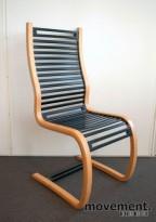 Fora Form Spring stol, design: Terje Hope, Bøk sidevanger, spiler i sort, pent brukt