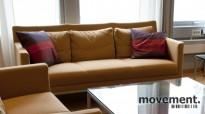 Walter Knoll Jason 3seter sofa i gul oker / krom, 183 cm bredde, pent brukt