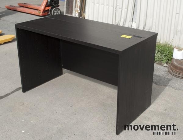 Ikea Bestå Skrivebord I Brunbeiset Tre120x60 Cm Pent Brukt