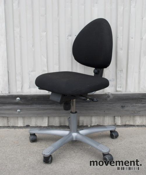 Håg H04 4000 Credo, kontorstol i sortstoff (Fame) med lav
