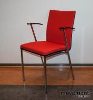 Konferansestol / møteromsstol / stablestol i sort / krom / rødt, pent brukt