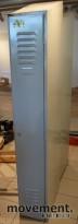 Eldre vintage garderobeskap i grålakkert stål, 30cm bredde, 200cm høyde