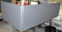 EFG Divide bordskillevegg / bordskjerm i grått, 120 cm bredde, 48cm høyde, pent brukt