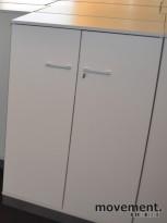Isku Tendo ringpermreol i grått, med dører, 80b 126h, pent brukte