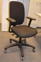 Savo kontorstol i sort, mod EOS2HL med armlener, pent brukte