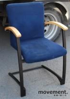 Stablebar Arcus konferansestol fra Kinnarps i sort/blå/bøk, brukt