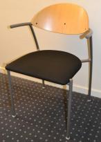 EFG Liisa konferansestol  i bjerk / sort, sølvgrå ramme, sittehøyde 43,5 cm, pent brukt