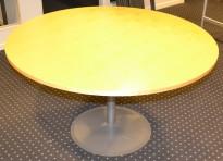 Rundt bord fra EFG i bjerk, Ø=120cm, justerbar høyde, pent brukt