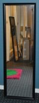 Vegghengt speil, sort ramme, 40x120cm, pent brukt