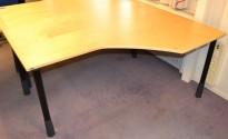 Kinnarps E-serie skrivebord hjørneløsning i bjerk, 160x120cm, pent brukte