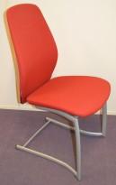 Kinnarps Plus 376 konferansestol i rødt stofftrekk, grått understell, pent brukt