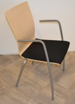 EFG Konferansestol i bjerk/sort/grått, modell SIT med armlener, pent brukt