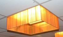 Dekorative lampeskjermer for å henge under 60x60cm himlingslamper, pent brukt