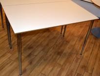 Rektangulært, kompakt skrivebord i hvitt, 120x70cm, pent brukt