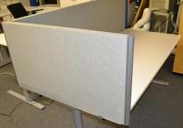 EFG Bordskillevegg i grå strie for skrivebord kortside, 90cm bredde, 48cm høyde, pent brukt