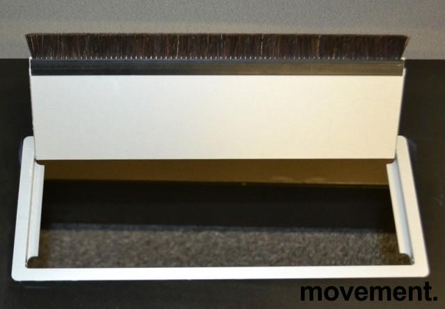 Montana DJOB hevsenk-skrivebord med bordplate i sort linoleum, 180x90cm, pent brukt bilde 5